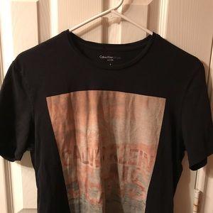 Calvin Klein Shirts - CALVIN KLEIN T-SHIRT NEVER WORN SIZE SMALL